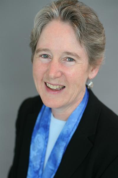 Profile picture of Lola Schoenrich